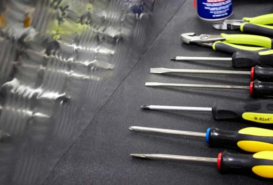Screwdrivers stored with a Zerust tool box liner - Zerust Consumer Products | Rust & Corrosion Prevention Products